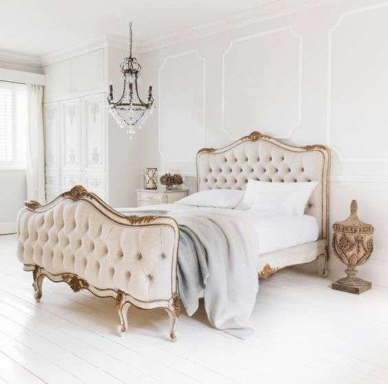 Camera da letto in stile parigino - Letto imbottito per camera