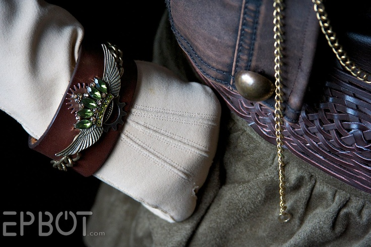 Great steam punk ideas!Cuffs Bracelets, Jewelry Art, Steampunk Style, Epbot Com, Jewelry Vaulted, Leather Cuffs, Jewelry Projects, Dragons Con Costumes, Steampunk Clothing