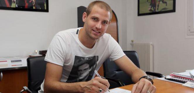 Le site officiel de Nice a officialisé l'arrivée de Mathieu Bodmer en provenance du PSG. Il portera le n°24.