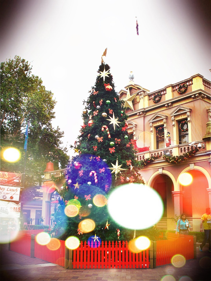 Christmas tree of joy ~ ♡Σ — at Parramatta Town Hall 12/12
