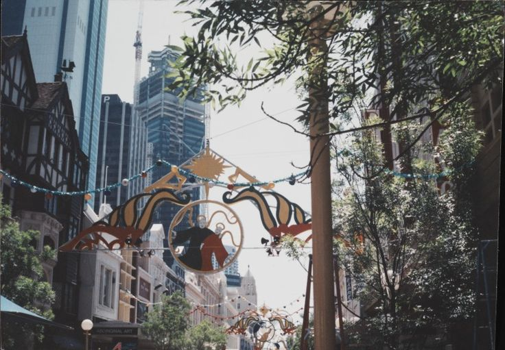 BA1530/5619: Hay Street Mall Christmas decorations, Perth, November 1991. https://encore.slwa.wa.gov.au/iii/encore/record/C__Rb3948957