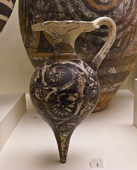 Kamares style vases with complex polychrome decoration, from Phaistos and Knossos. Old-Palace Period (1800-1700 BC)