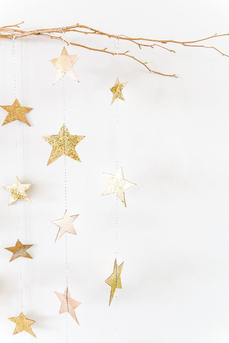 Classy But Easy Movie Viewing Party Hacks - including this DIY gold star garland craft