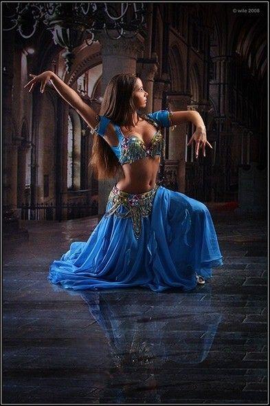 Oriental Bellydance blue costume - Dancer - Dansöz - Bauchtänzerin - Orientalischer Tanz #bellydance #bauchtanz #gypsy
