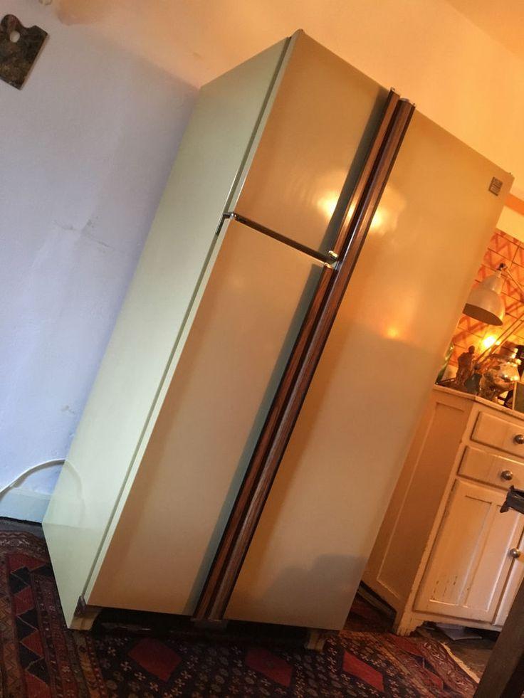 Réfrigérateur-congélateur Côte à Côte Frigidaire Americain Vintage Années 70.
