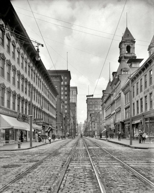 Picture of Smithfield Street, Pittsburgh 1908 from an AMAZING Vintage Photo Blog that has thousands of high definition images from the 1850's to 1950's.  In the Full View image, I feel as though I can reach out and touch the people.