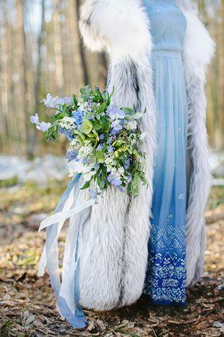 свадебная фотосессия невесты в лесу