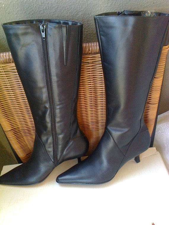 Black leather women boots very soft/ vintage 90s black by Lionsoul, €170.00