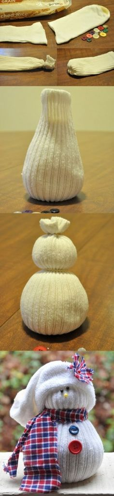 Bonhomme de neige pour Noël en chaussette !  http://www.homelisty.com/17-idees-deco-simples-et-fun-a-faire-avec-vos-enfants-pour-noel/