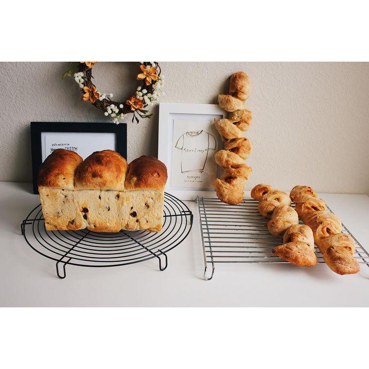 本日の#手作りパン 。 . . #自家製酵母 の ■レーズン山食 ■#ベーコンエピ . . Shannonと旦那いきのパンたちです。私はもっぱら飽きもせずカンパーニュばかり自分用に焼いてます(笑) . . 今日は驚いたことが!私とShannonが一時帰国をもうすぐするのだけれど、旦那が一言。「簡単な料理のレシピを書いておいてくれない?例えば味噌汁とか」だって。平日はおそらくヘトヘトで料理も出来ないだろうから、するとすれば週末なんだろうか?どうなんだろう?食にあまり関心がない人だから、私がいなかったら店屋物をたくさん食べれて逆に嬉しい?と思ってたから、拍子抜け。でもお味噌汁って...(笑) . . いくつか保存食作って、冷凍しておいてあげようかな?と思った私。よし、まだ旦那への愛情は薄れてない?!笑