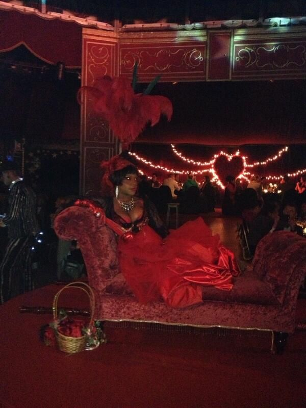 Lady in red #Madame Zingara