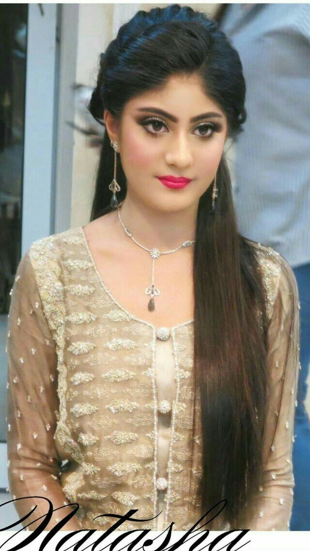 Pin By Asma On Act Stress Hair Styles Indian Wedding Hairstyles