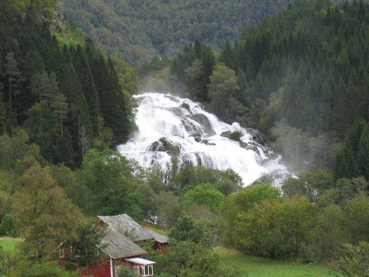 Hattebergfossen midt i Rosendal Hatteberg waterfall in Rosendal