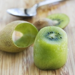 How to peel a kiwi! Genius!