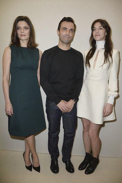 Charlotte Gainsbourg, Chiara Mastroianni et Nicolas Ghesquière au défilé Louis Vuitton Fashion Week Paris Automne Hiver 2014-2015