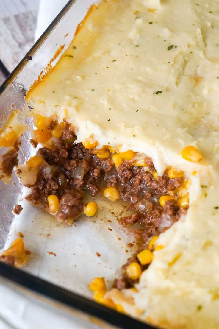 The Best Shepherd S Pie Is An Easy Ground Beef Dinner Recipe A Base Of Ground Dinner With Ground Beef Shepherds Pie Recipe Easy Ground Beef Recipes For Dinner
