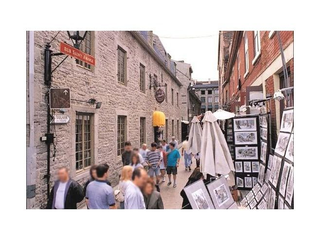 Another view of Old Montreal, Rue Saint-Amable