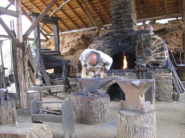 Best 25 blacksmith shop ideas only on pinterest for Craft in america forge