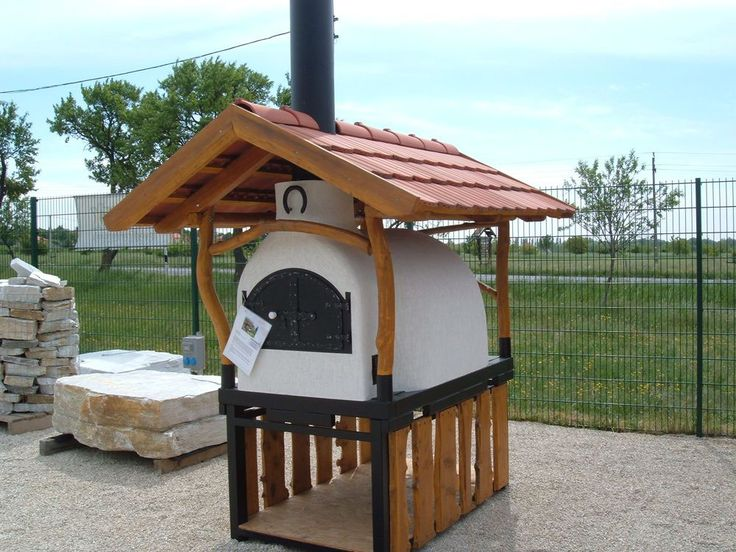 Mobil kemence fatárolós tartólábbal és cserép tetővel