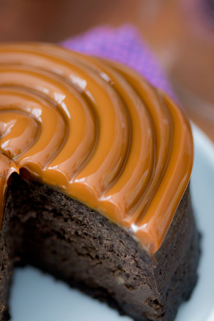 Saiba como fazer uma receita deliciosa de Mini Cheesecake de Oreo com cobertura de Doce de Leite, para agradar toda a família e amigos