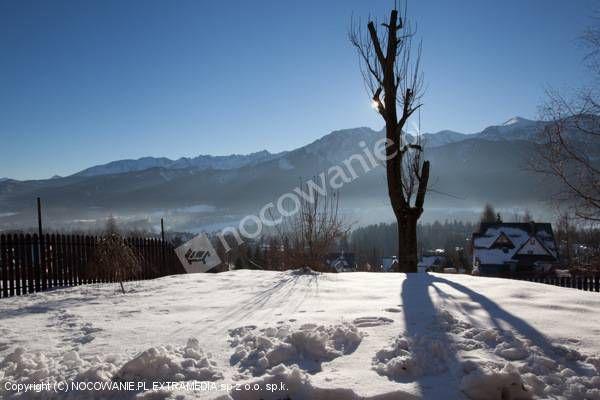 Polecamy noclegi w Willi Turnia, położonej na stoku Butorowym w Kościelisku. Z okien można podziwiać malowniczą panoramę Tatr. Więcej informacji na http://www.nocowanie.pl/noclegi/koscielisko/apartamenty/92444/