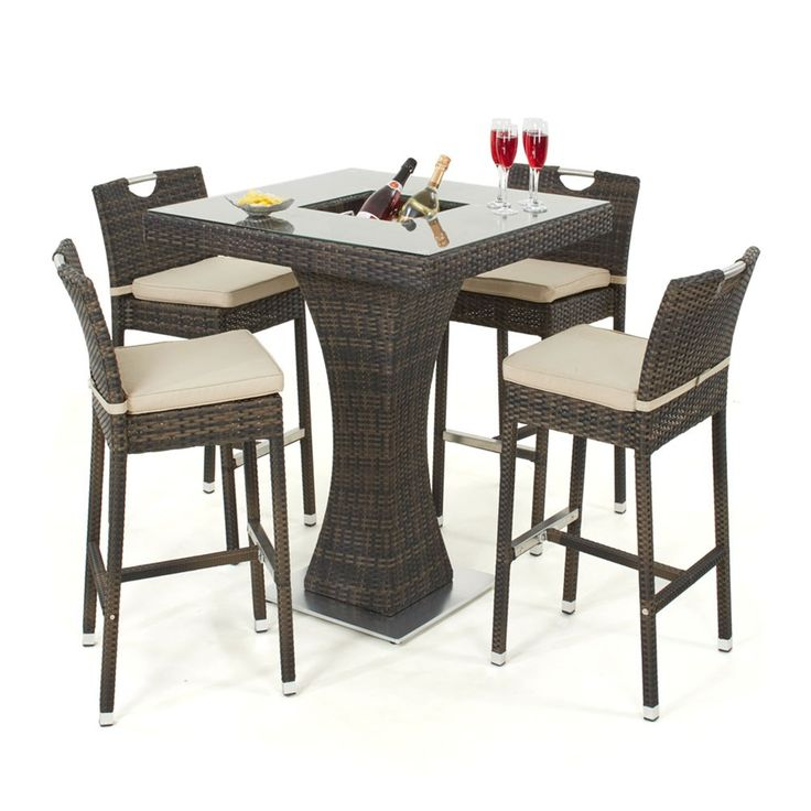 An exciting addition the Maze Rattan portfolio this season, the 4 Seat Garden Bar set features a sucken ice bucket within the table so you can spend more time entertaining your guests. The contemporary high stools have beige seat pads complementing the mixed brown flat all weather weave. An elegant set that is sure to be a talking point.