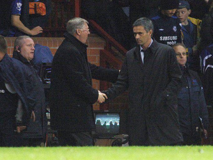 Soccer - FA Barclays Premiership - Manchester United v Chelsea - Old Trafford