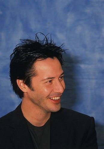 Keanu Reeves posting frenzy...currently underway, while I take a break from Payroll Accting assignment....that's driving me nuts. LOL Grr.