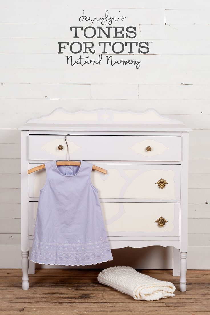 Little Stork Jennylyn's Natural Nursery Finally, the perfect warm shade of lavender! This gentle colour is just begging to revitalize your next DIY project. You're going to love this with the match made-in-heaven of on-trend purple and light gray. http://fusionmineralpaint.com/products/tones-for-tots/