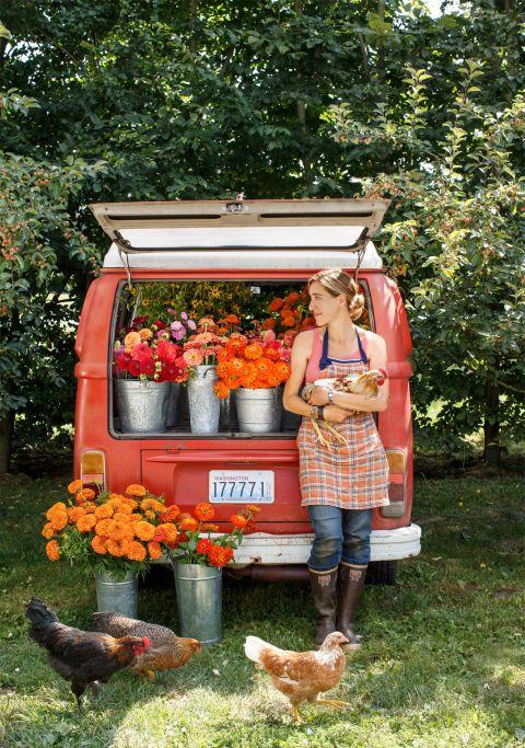 9 Ways to Arrange Flowers Like a Pro  - CountryLiving.com