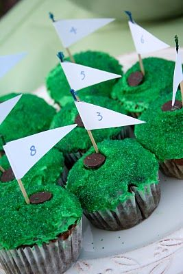 ✓ Golf Course Cupcakes - Made these for my dad's birthday, huge hit with him and his golfing buddies!