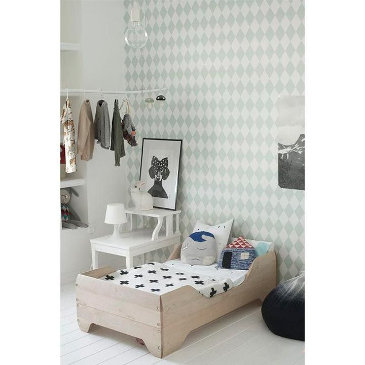 Geometric wallpaper | Kids room design | Wall design for kids | Ideas, tips and inspiration