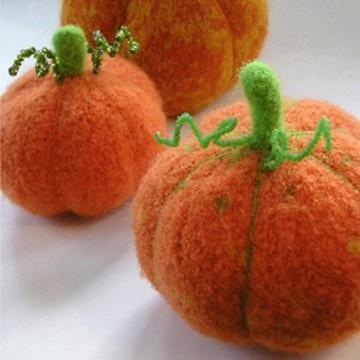 The Yarnery - Harvest Pumpkin, $6.00 (http://shop.yarnery.com/harvest-pumpkin/)