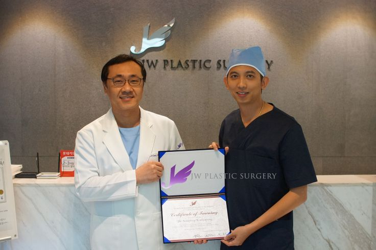 April 1st,Dr. Somphop Waniyapong got his certificate in JW Plastic Surgery Center. He finished his medical training course from 28th to 31th March 2014 in JW.  Seems like JW Plastic Surgery is so popular in Thailand and other countries now. Many doctors come here especially for plastic surgery traning program. Thai doctors are coming continuously during spring!  jw_beauty@naver.com +82 10 7195 5114 www.jwbeauty.net