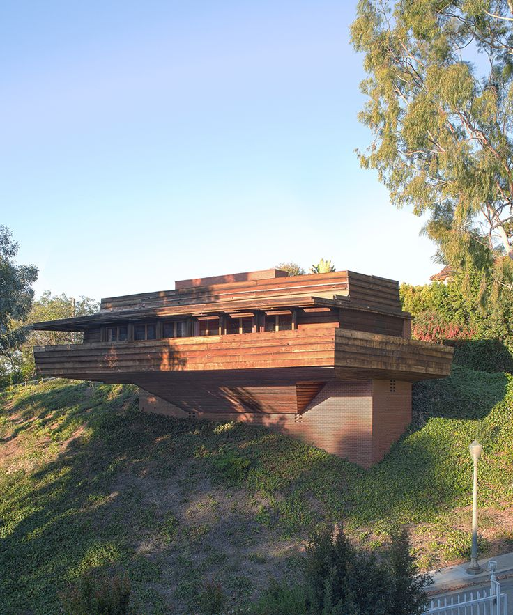 Frank Lloyd Wright's landmark George Sturges House is up for auction with Sotheby's International Realty and LAMA.
