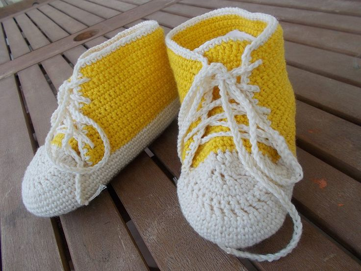 crochet baby sneakers  - love the color!!!