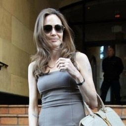 Angelina Jolie helps sick staff member