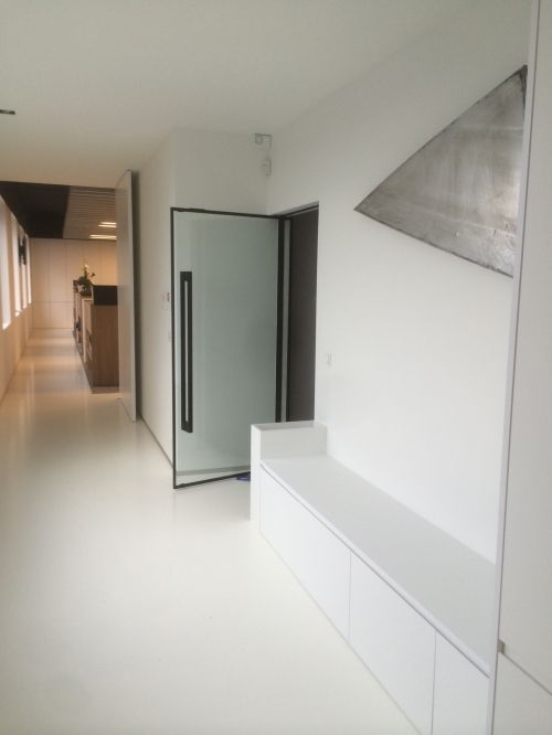 The frameless fire rated door from IQ Glass is a new generation of glazed fire doors for up to 60 minutes insulation and 60 minutes integrity fire protection in a frameless, neat design.