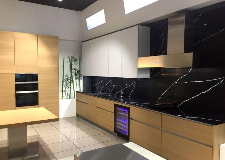 | PROJECT |  Nos encanta la exposición de nuestro cliente Zelari De Nuzzi de San Sebastián de los Reyes, Madrid. En la foto:  · Campana P-1001 · Placa inducción PI-3500 con 6 inductores y sistema AirLink. · Horno Multifunción Excellence PHT-9200 Pando Chef · Microondas PHM-9500 · Vinoteca PVMB 60-46