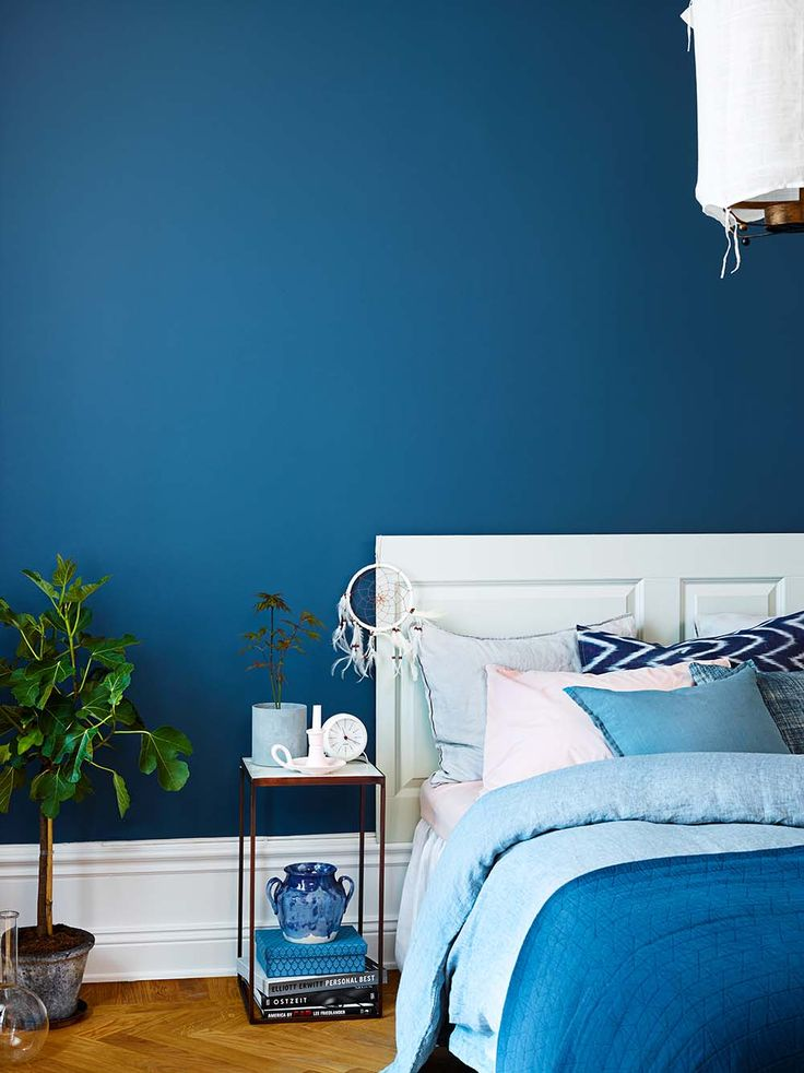 Blue bedroom! The wall is painted with Beckers Symfoni