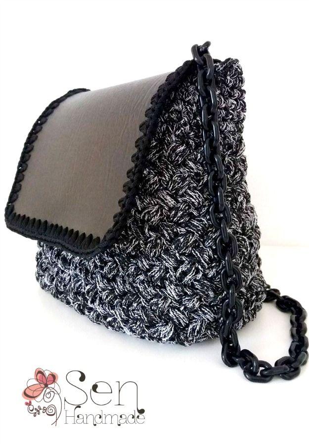 crochet backpack / shoulder bag in black and white