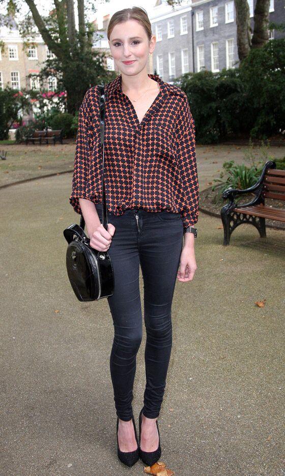 Laura Carmichael outfit