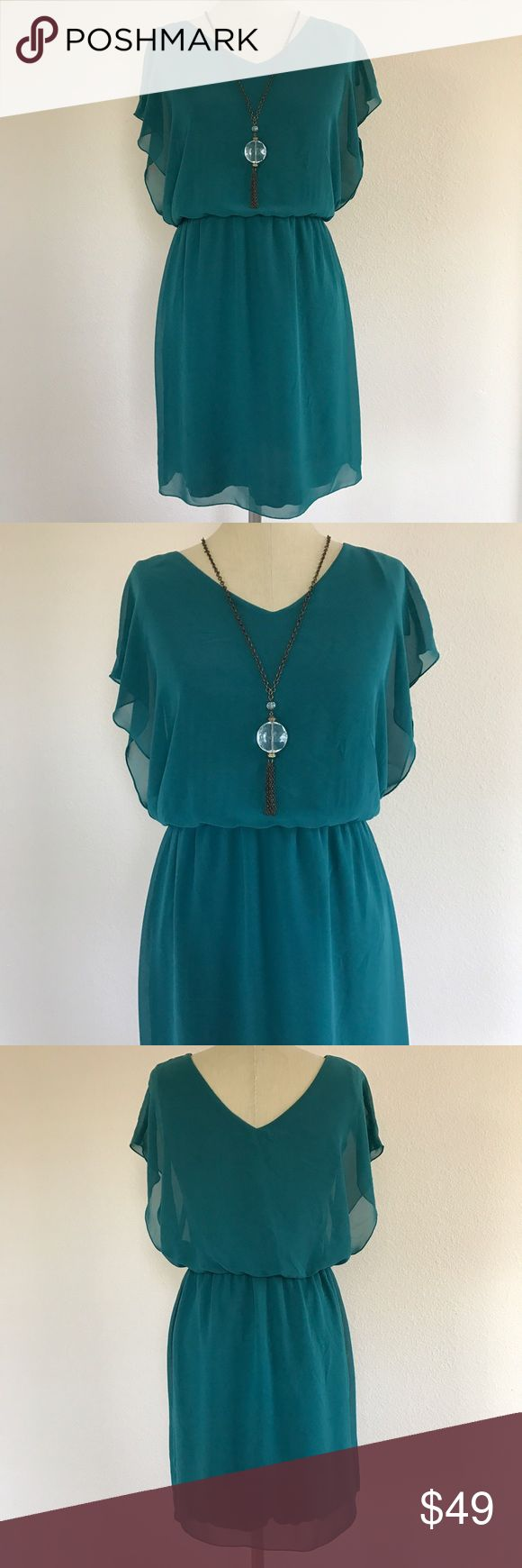 Green Chiffon Dress Cute chiffon dress in a teal green. Short sleeve with cinched waist, kind of blouses over on top. Brand is En Focus Studio. Size 6, excellent condition. Measurements available on request   ✖️No Trades ✖️No Holds ✖️No Modeling ✖️No PayPal/ Merc EnFocus Studio Dresses