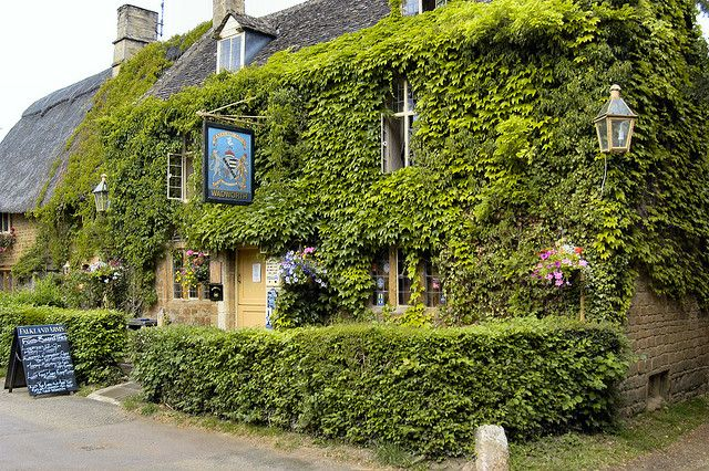 Great Tew, Falkland Arms by Dayoff171, via Flickr