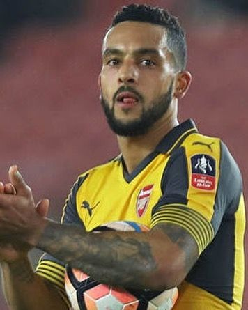 Theo Walcott with the hat-trick today for Arsenal as they ran out 5-0 winners over Southampton      #footyscout #football #soccer #footy #goals #training #instalike #player #champ #footballer #blogger #fast #love #game #futbol #club #sports #legend #run #instagood #score #winning #arsenal #afc #sfc #england #london #canada #bpl