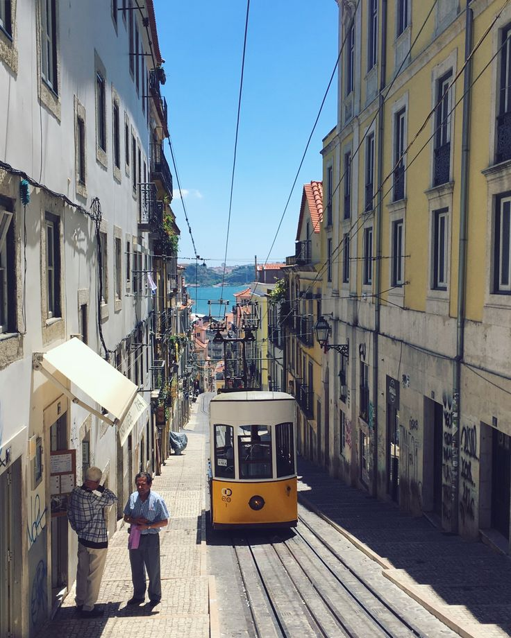 Ascensor da Bica, Lisbon. https://www.instagram.com/katritamminen