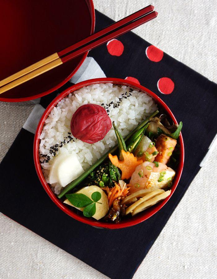 Salmon belly stir-fry bento/鮭ハラス炒め弁当