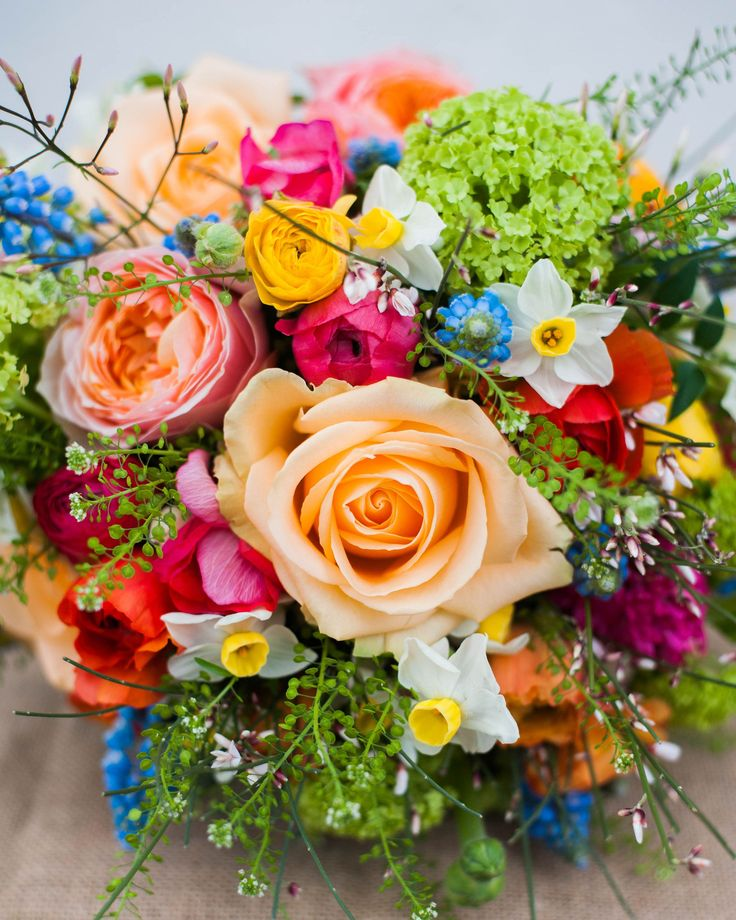 Bright spring wedding flowers