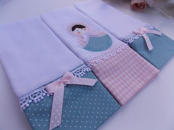 Fraldas Decoradas com aplique ou bordado. <br>Kit com 3 Fraldas de Boca. <br>Tecido 100% algodão. <br>Fralda luxo fofura máxima 52 fios por cm².