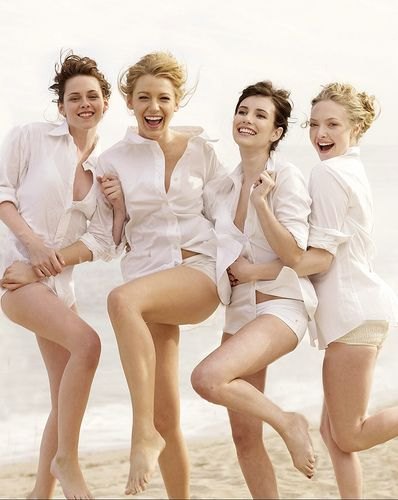 "Kristen Stewart, Blake Lively, Emma Roberts and Amanda Seyfried in a photo shoot for ""Vanity Fair"" magazine aug 2008....."